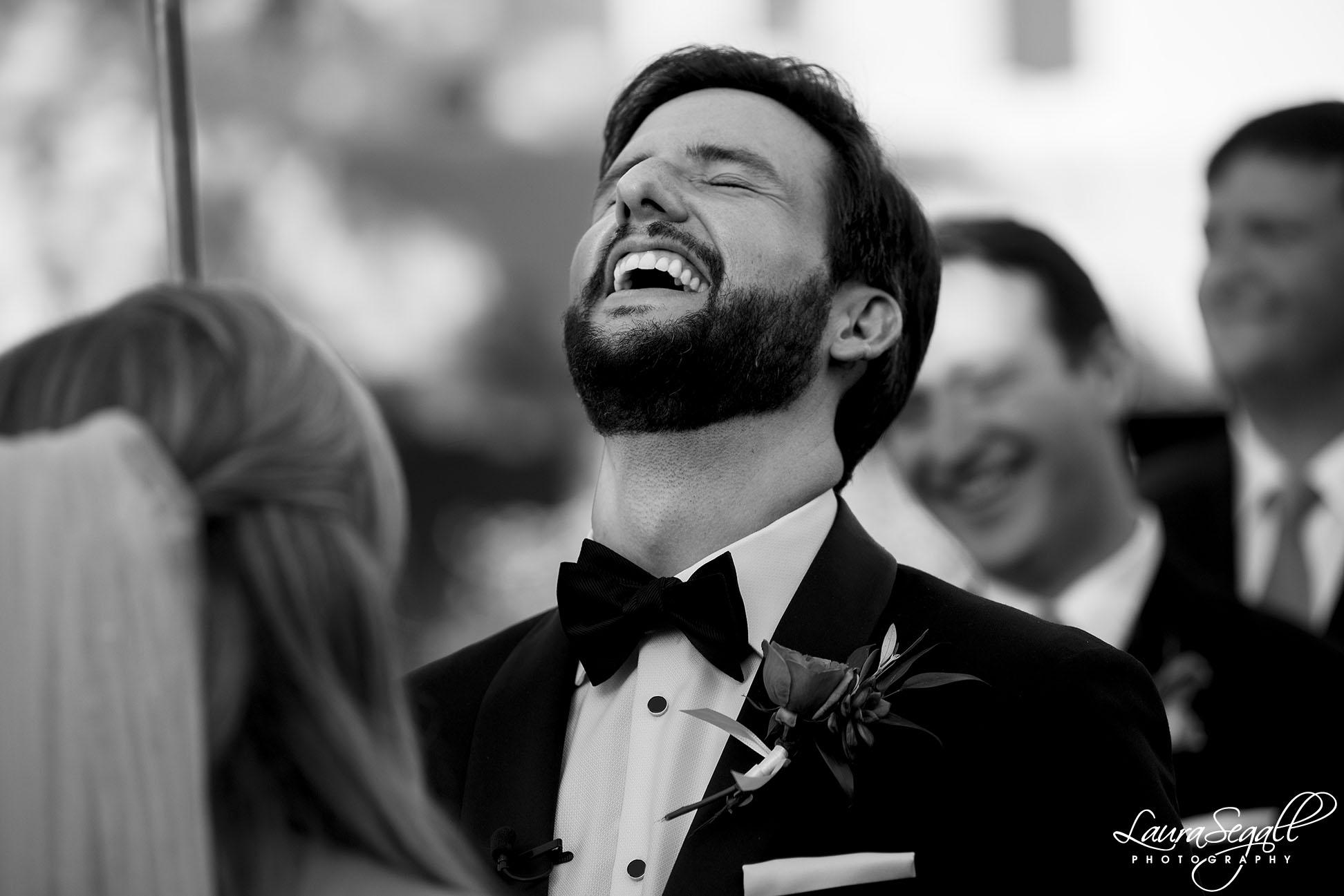 groom laugh