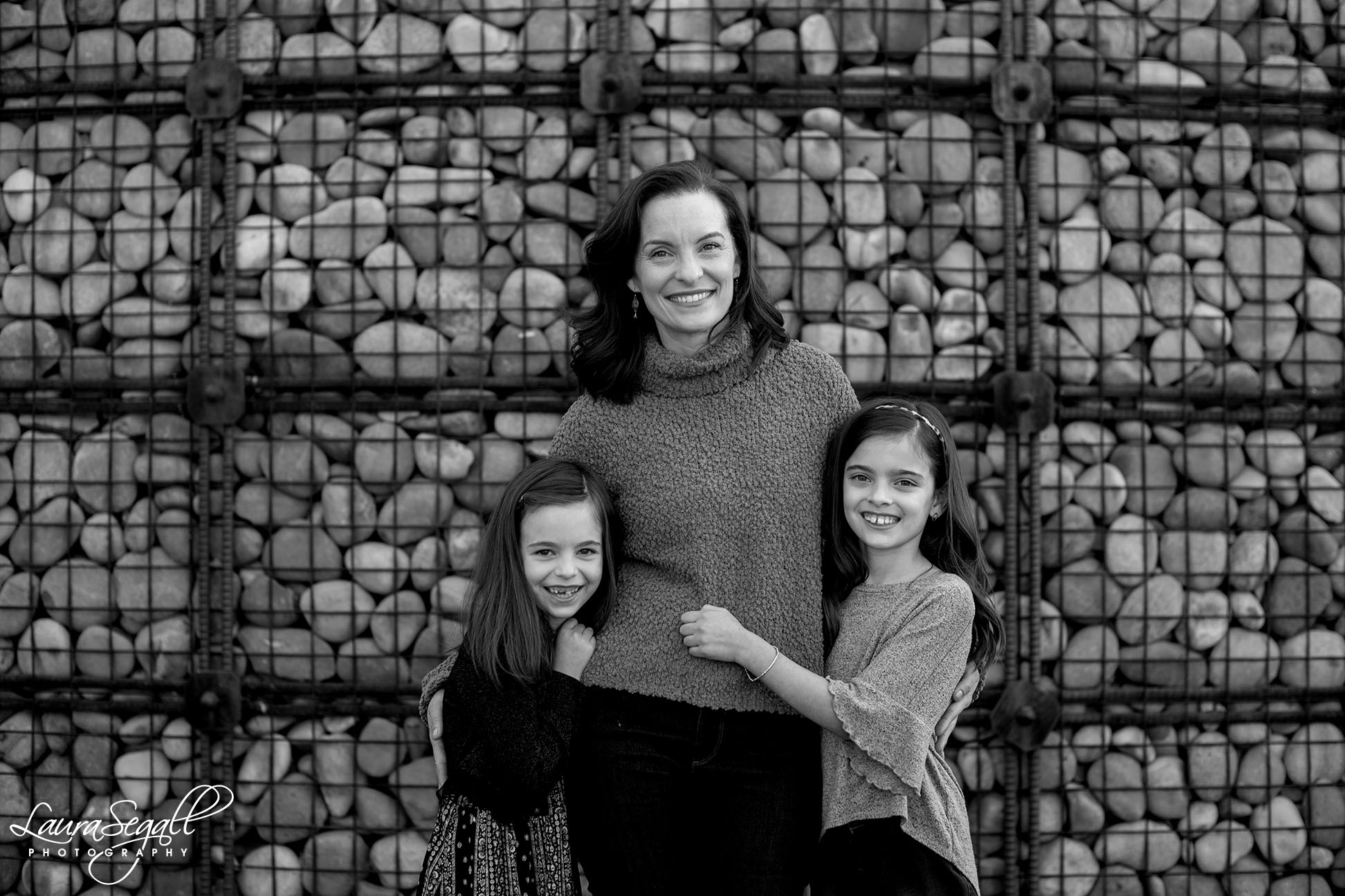 mom and daughters