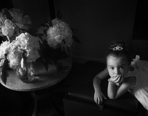flower girl before the ceremony