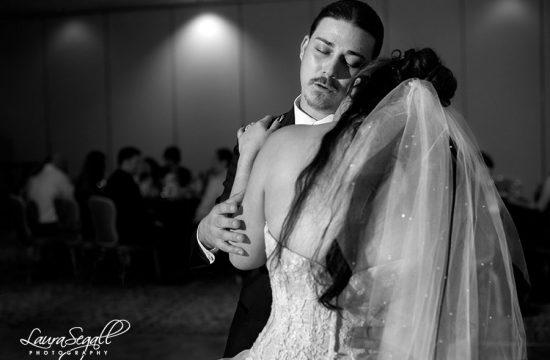 POINTE HILTON TAPATIO CLIFFS RESORT wedding pictures